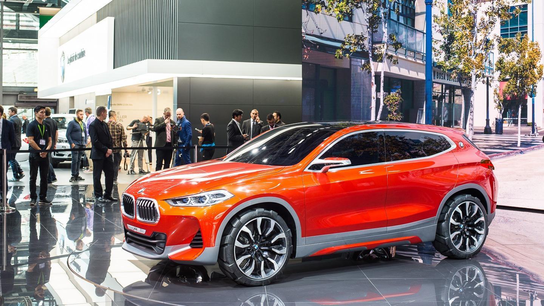 Myrskyvaroitus Baijerista! BMW vyöryttää 40 malliversiota lähivuosina!