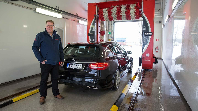 Suomalainen Juhlapesu tähtää autopesualan kansainväliseksi jättiläiseksi