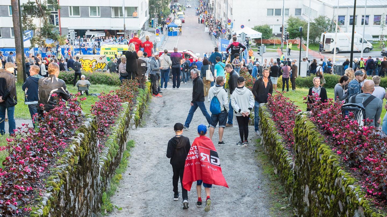 Ralliautot valtasivat Jyväskylän keskustan –  Ott Tänak nopein