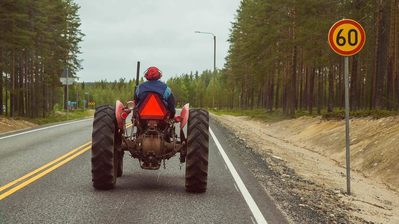 Puimurit ja traktorit liikenteessä – ohita turvallisesti