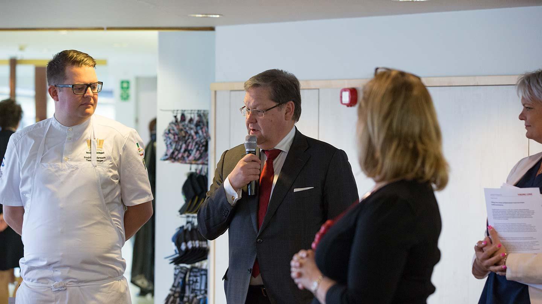 Viking Line uudisti buffetin –apuna Ruotsin kokkimaajoukkue