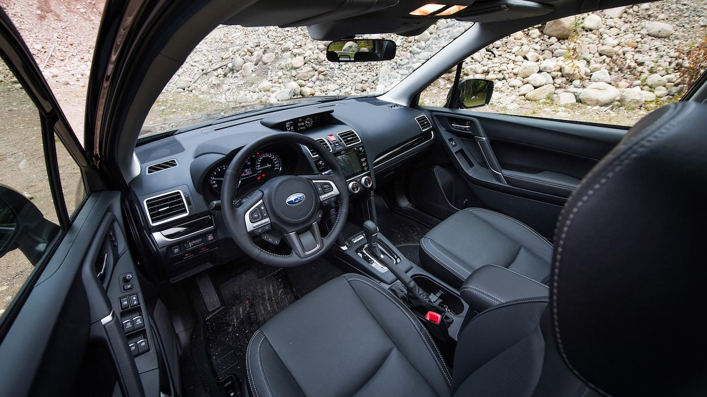 Halpuutettu ja näkevämpi: suosittu Subaru Forester alkaen 32219€